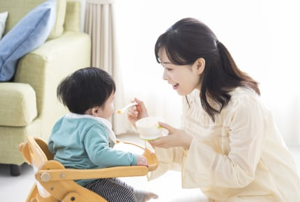 市販のベビーフードばかりで罪悪感。離乳食に悩んだことがあるママから届いたアドバイスとは?
