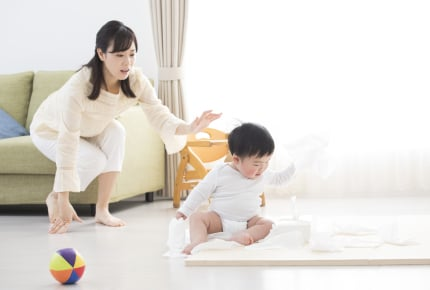 ほんの一瞬目を離した隙に子どもが……。先輩ママたちの「ヒヤッとした」経験から注意したいシーンを学ぶ