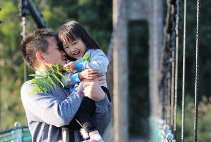 一人っ子の子どもを溺愛しがちなのはママではなくパパ?ママたちが語る、子どもを愛するパパの姿とは