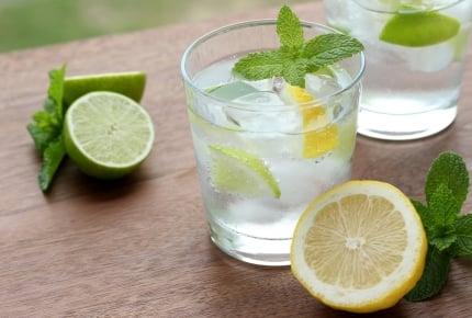 暑くなると飲みたくなる炭酸水!割るとおいしくなる組み合わせは?