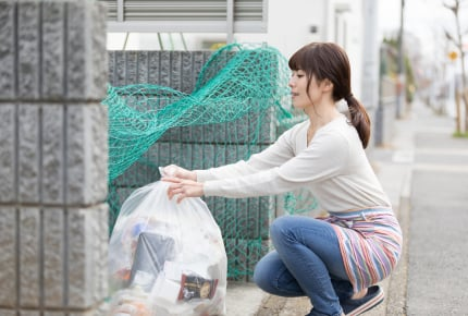 可燃ゴミを出すとき、ゴミ袋の数はどのくらい?家族構成やペットの有無で大きな違いが