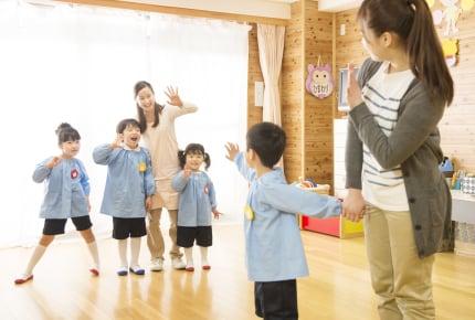 幼稚園にお迎えに来ても、すぐに帰ってしまうのはなぜ?ママたちのお迎え事情とは?