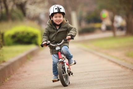 年中の娘があっさり自転車に乗れてびっくり!今の子は最初から補助輪なしで乗れるもの?