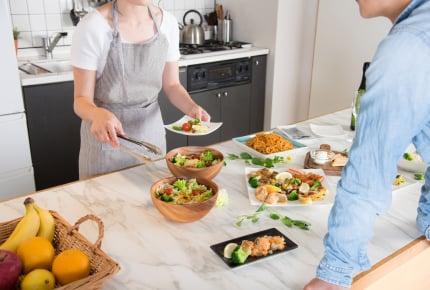 テイクアウトした料理や買ってきたお惣菜、お皿に移し替える?