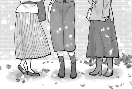 寒い時期にロングスカートを愛用するママたち、スカートの下に重ね履きしているものは何?