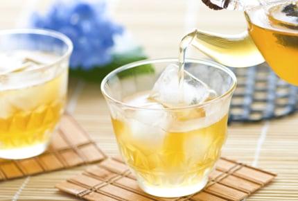 家庭訪問で訪れた先生へのおもてなし。お茶は出しますか?それとも出さない?
