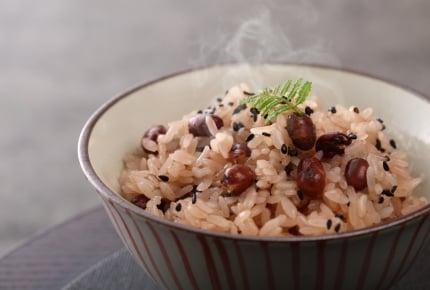 お赤飯の色づけに食紅って使う?あずきじゃなく甘納豆を使ってもいいの?