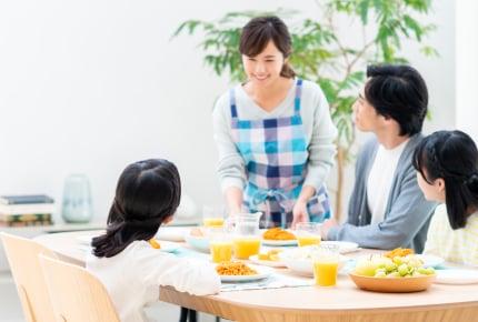 ダイニングテーブルで約13万円は高い?安い?ママたちの相場観