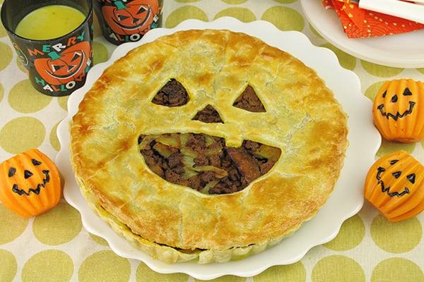 ハロウィンレシピ・カレー風味パンプキンミートパイ