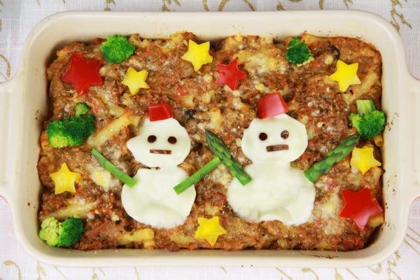 クリスマスレシピ・雪だるまのミートグラタン