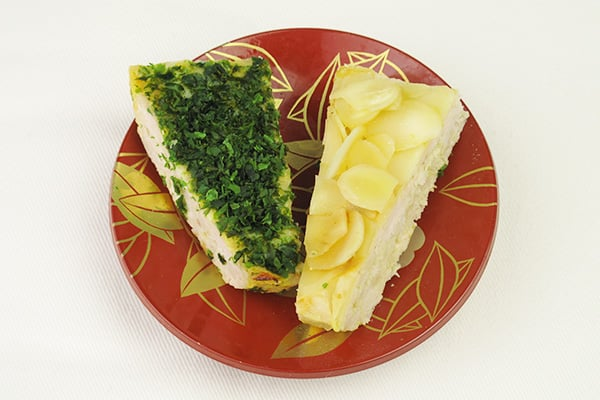 おせちレシピ☆羽子板の形で可愛い!アーモンドと青ノリの松風焼き