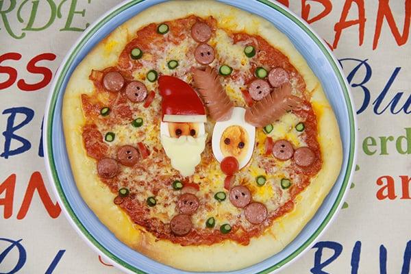 クリスマスレシピ☆サンタとトナカイのピザ
