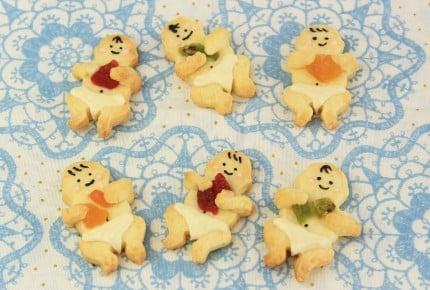 芸能人やモデルの間でベビーシャワーブーム!赤ちゃん抱っこクッキーが可愛い!
