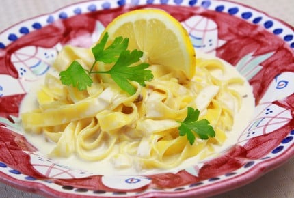 夏の爽やかレシピ!アマルフィ風レモンクリームパスタ