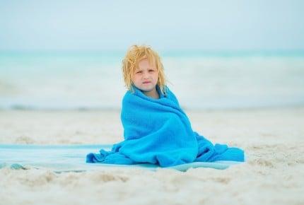 """目から鱗の新常識?子ども用水着を選ぶポイントは""""保温機能""""を重視!"""