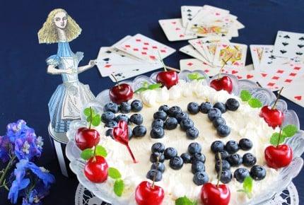 【アリス再現レシピ】Eat Me!を作ってみた~イギリス風紅茶ゼリーのトライフル~