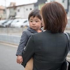 2019年10月からの幼児教育・保育無償化「共働き家庭・シングルで働いている家庭」の無償化の条件は?該当する子どもと月額上限とは